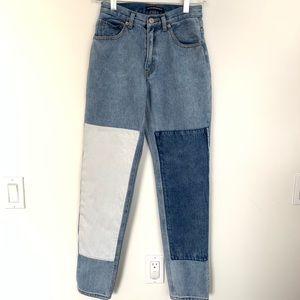 Brandy Melville Kenzie Patch Jeans EUC
